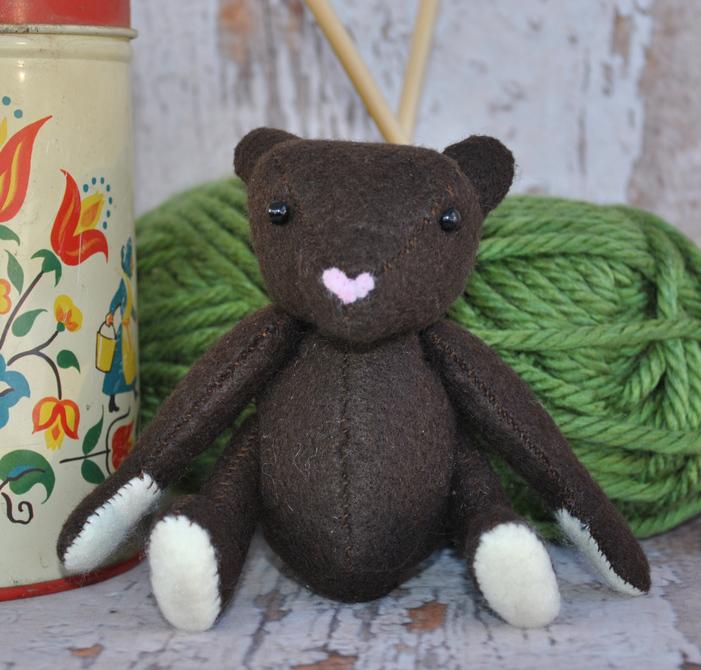 Teddy bear sewing pattern delilah iris teddy bear sewing pattern jeuxipadfo Choice Image