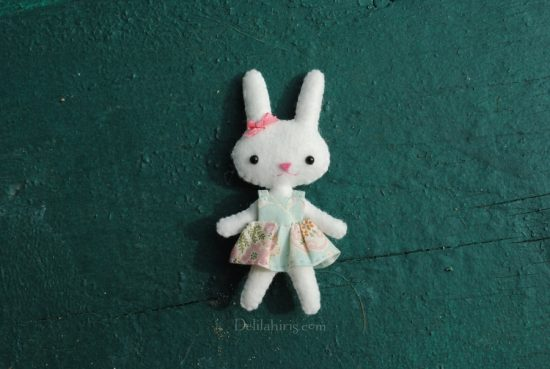 miniature felt bunny doll pattern