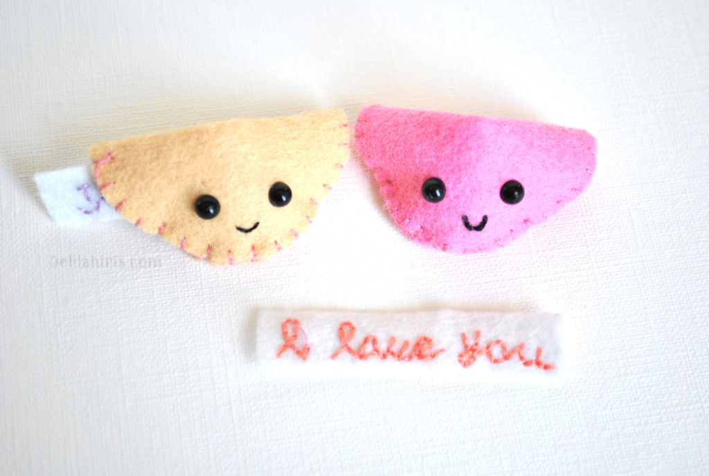 felt fortune cookies pattern