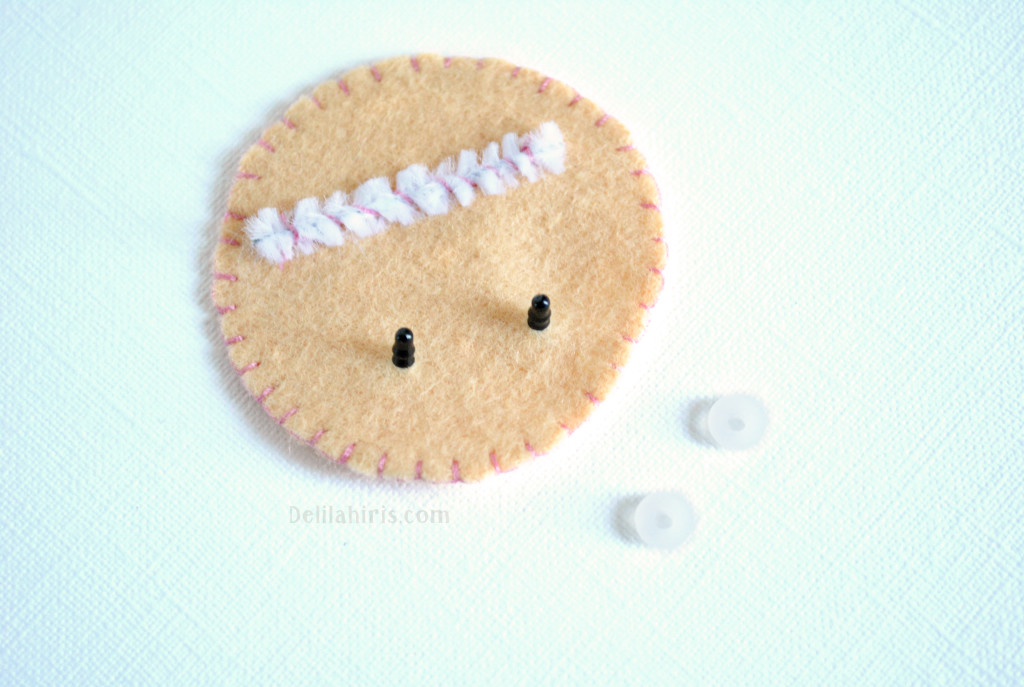 make felt fortune cookies