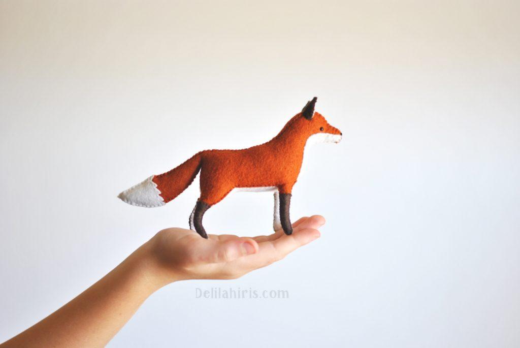 felt fox sewing kit