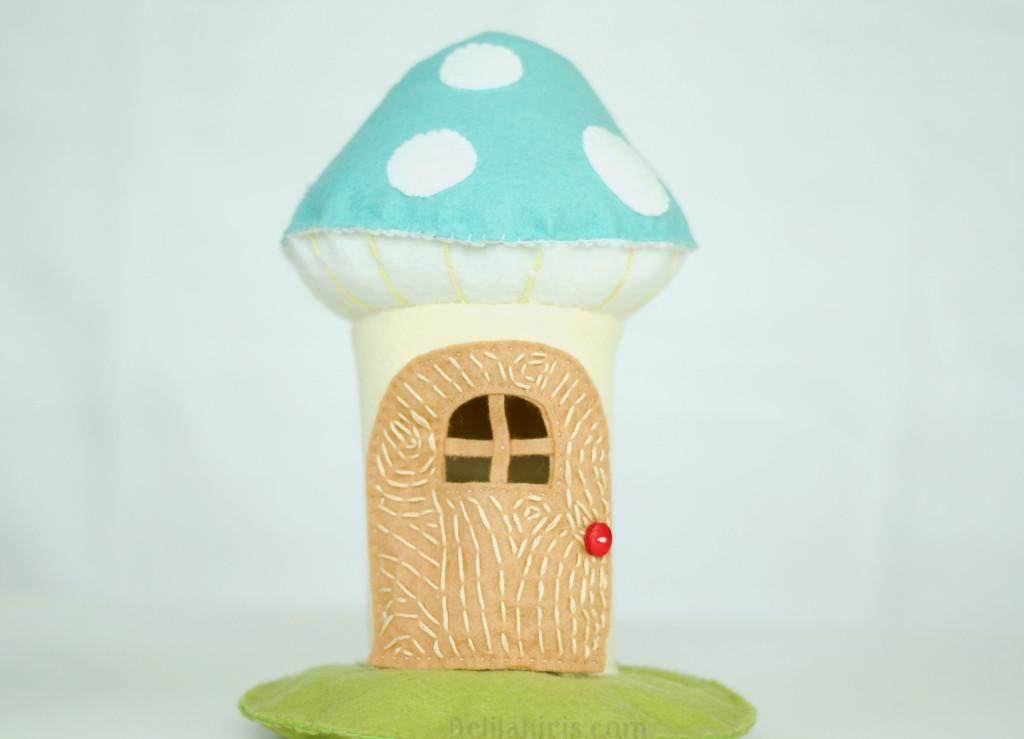 toadstool dollhouse
