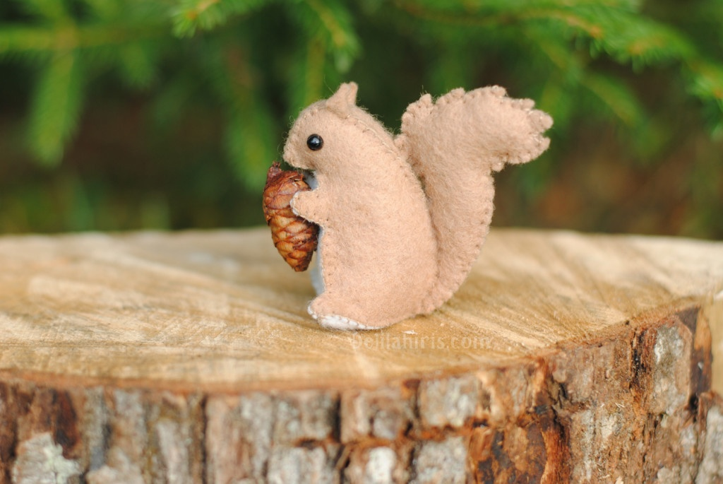 A Printable Felt Squirrel Sewing Pattern - Create Your Own Woodland ...