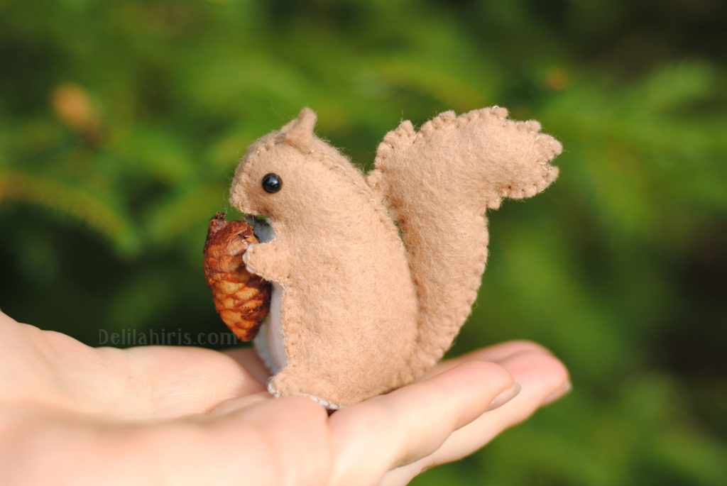 felt squirrel sewing pattern