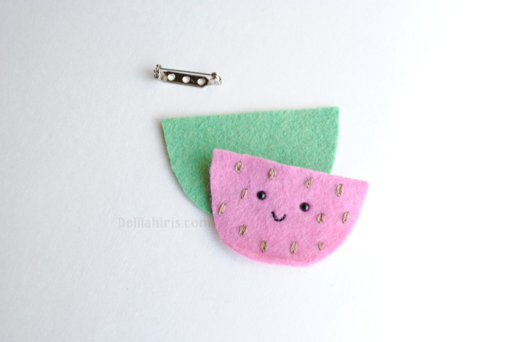 felt watermelon brooch pattern