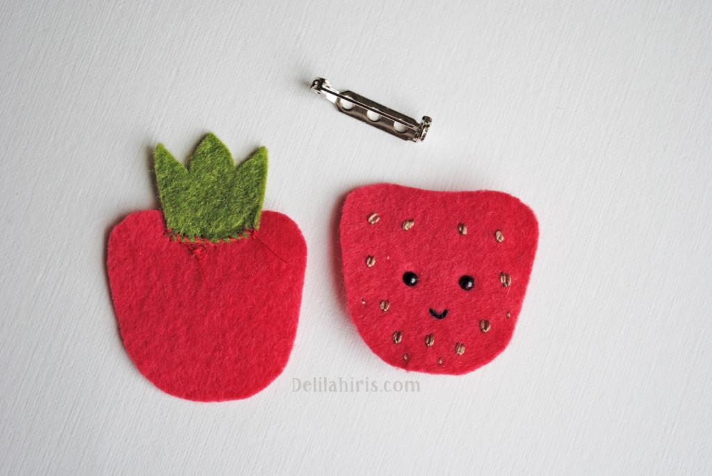 strawberry felt brooch pattern