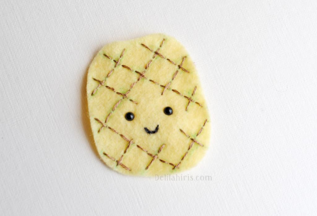 felt pinapple brooch pattern