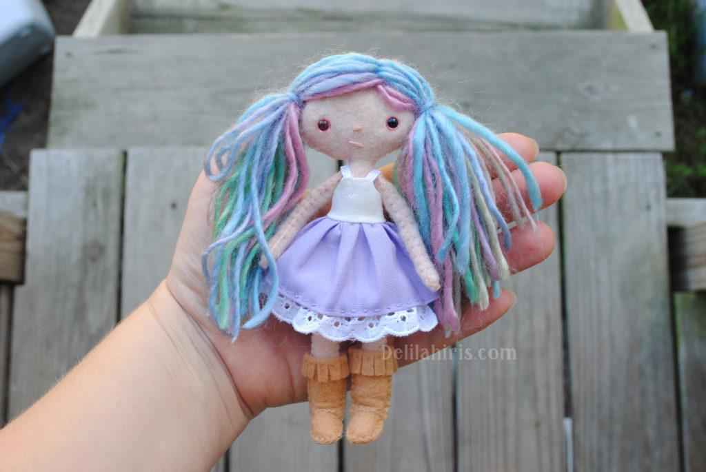 tiny felt doll pattern