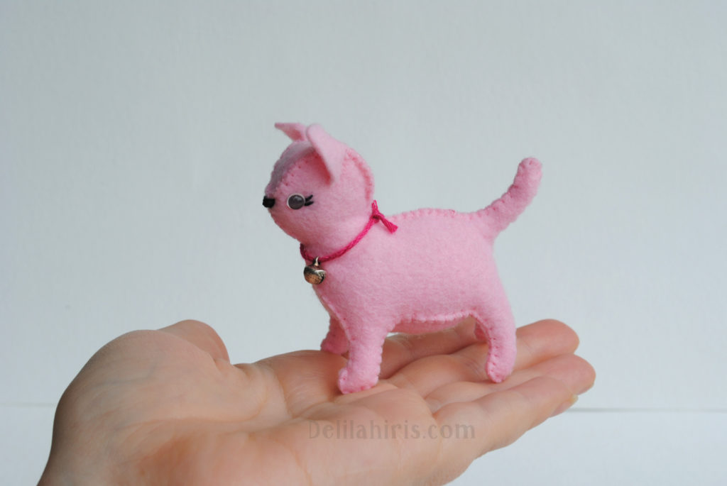 felt animals cat stuffie