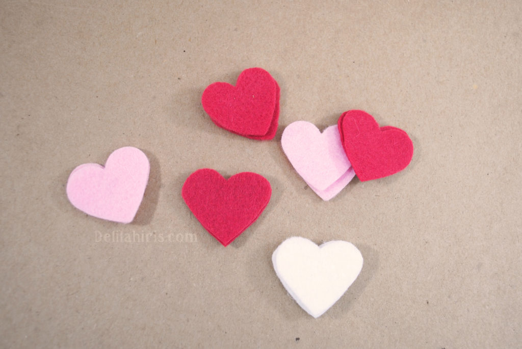 felt hearts valentines craft