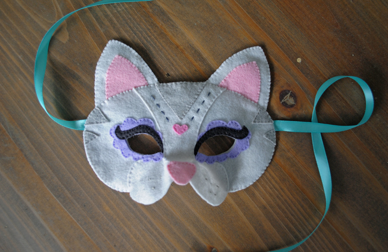 Felt Cat DIY Halloween Mask