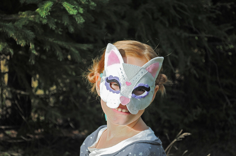 DIY Halloween Mask Felt Cat