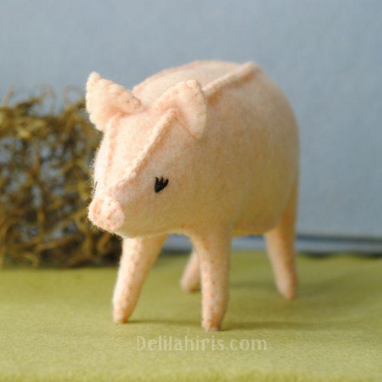 felt pig pattern